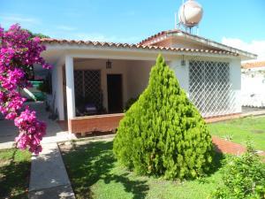 Casa En Ventaen Guacara, Ciudad Alianza, Venezuela, VE RAH: 18-1430
