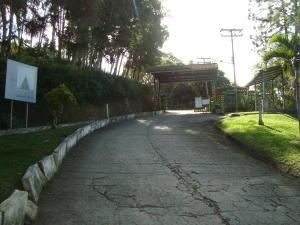 Terreno En Ventaen Santa Lucia, Santa Lucia, Venezuela, VE RAH: 18-1515