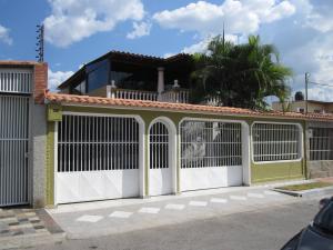 Casa En Ventaen Turmero, La Mantuana, Venezuela, VE RAH: 18-1455