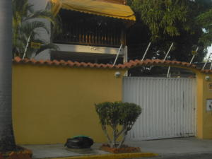 Casa En Ventaen Parroquia Caraballeda, Palmar Este, Venezuela, VE RAH: 18-1460