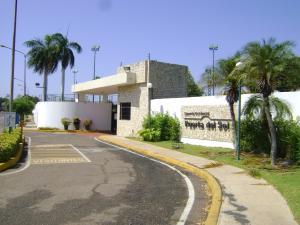 Townhouse En Ventaen Maracaibo, Fuerzas Armadas, Venezuela, VE RAH: 18-1494