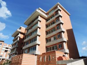 Apartamento En Ventaen Caracas, Lomas Del Sol, Venezuela, VE RAH: 18-1530