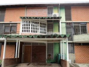 Townhouse En Ventaen Guarenas, Nueva Casarapa, Venezuela, VE RAH: 18-1555