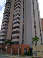 Apartamento En Ventaen Maracay, Andres Bello, Venezuela, VE RAH: 18-1587