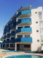 Apartamento En Ventaen Higuerote, Ciudad Balneario Higuerote, Venezuela, VE RAH: 18-1710