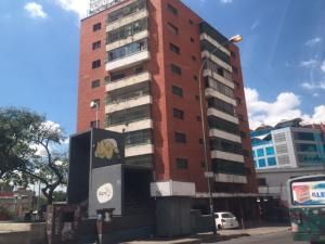 Local Comercial En Ventaen Caracas, Los Dos Caminos, Venezuela, VE RAH: 18-9059