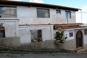 Casa En Ventaen San Antonio De Los Altos, El Amarillo, Venezuela, VE RAH: 18-1622