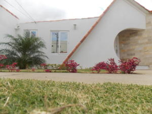 Casa En Ventaen Punto Fijo, Puerta Maraven, Venezuela, VE RAH: 18-1636