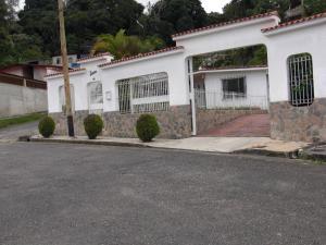 Casa En Ventaen Los Teques, Los Teques, Venezuela, VE RAH: 18-1663