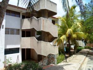 Apartamento En Ventaen Margarita, Guacuco, Venezuela, VE RAH: 18-1735