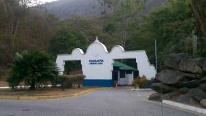 Terreno En Ventaen Caracas, Izcaragua, Venezuela, VE RAH: 18-2024