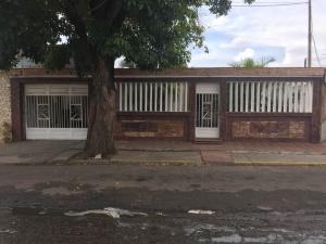 Casa En Ventaen Maracaibo, San Miguel, Venezuela, VE RAH: 18-1772