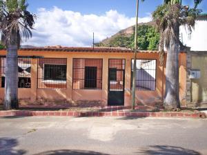 Casa En Ventaen La Victoria, El Recreo, Venezuela, VE RAH: 18-1839
