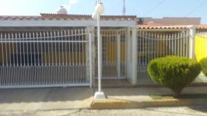 Casa En Ventaen Punto Fijo, Santa Fe, Venezuela, VE RAH: 18-1823