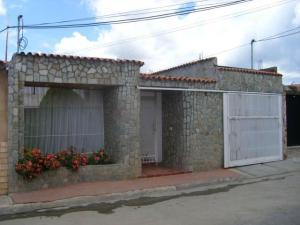 Casa En Ventaen Cagua, Ciudad Jardin, Venezuela, VE RAH: 18-1858