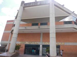 Local Comercial En Alquileren Guarenas, Terraza I Buenaventura, Venezuela, VE RAH: 18-1921