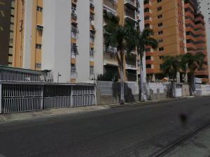 Apartamento En Ventaen Maracay, Andres Bello, Venezuela, VE RAH: 18-1945