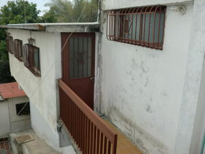Casa En Ventaen Los Teques, Municipio Guaicaipuro, Venezuela, VE RAH: 18-2721