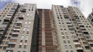 Apartamento En Ventaen San Antonio De Los Altos, El Limon, Venezuela, VE RAH: 18-2587