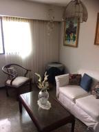 Apartamento En Ventaen Caracas, Caricuao, Venezuela, VE RAH: 18-2066