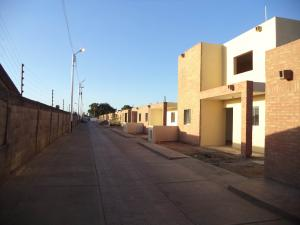 Casa En Ventaen Coro, Sector Los Perozos, Venezuela, VE RAH: 18-2142