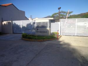 Townhouse En Ventaen Municipio Naguanagua, Tazajal, Venezuela, VE RAH: 18-2185
