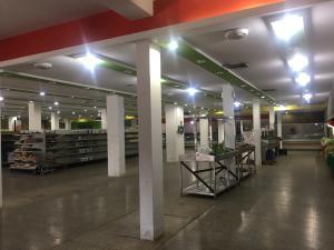 Local Comercial En Ventaen Ciudad Ojeda, Avenida Bolivar, Venezuela, VE RAH: 18-6053