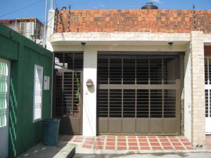 Casa En Ventaen Maracay, La Fontana, Venezuela, VE RAH: 18-2371