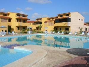 Apartamento En Ventaen Chichiriviche, Flamingo, Venezuela, VE RAH: 18-5232