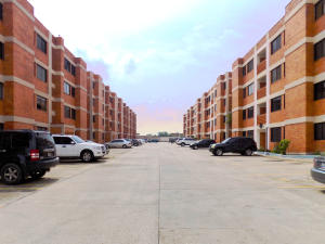 Apartamento En Ventaen Maracaibo, Avenida Milagro Norte, Venezuela, VE RAH: 18-2379