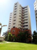 Apartamento En Alquileren Maracaibo, Avenida El Milagro, Venezuela, VE RAH: 18-2449
