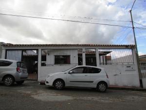 Casa En Ventaen Los Teques, San Homero, Venezuela, VE RAH: 18-2437