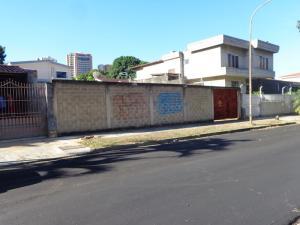 Terreno En Ventaen Valencia, Las Chimeneas, Venezuela, VE RAH: 18-2451