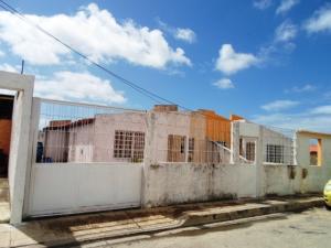 Casa En Ventaen Margarita, San Antonio, Venezuela, VE RAH: 18-2492