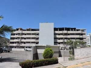 Apartamento En Ventaen Parroquia Caraballeda, La Llanada, Venezuela, VE RAH: 18-2524