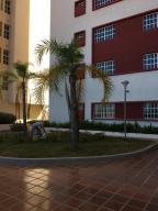 Apartamento En Ventaen Maracaibo, Avenida Goajira, Venezuela, VE RAH: 18-2539