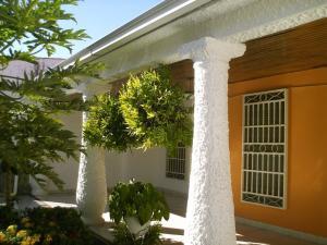 Casa En Ventaen Turmero, Los Overos, Venezuela, VE RAH: 18-2592