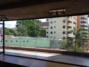Local Comercial En Ventaen Valencia, Sabana Larga, Venezuela, VE RAH: 18-2599