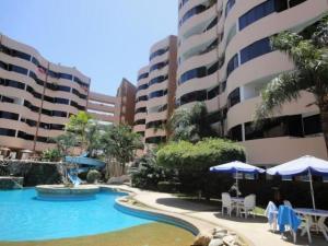 Apartamento En Ventaen Higuerote, Puerto Encantado, Venezuela, VE RAH: 18-2632
