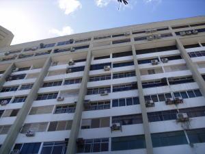 Apartamento En Ventaen Parroquia Caraballeda, Los Corales, Venezuela, VE RAH: 18-2645