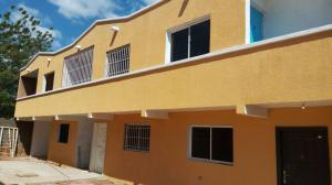 Townhouse En Ventaen Maracaibo, Sierra Maestra, Venezuela, VE RAH: 18-2666