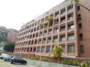 Apartamento En Alquileren Caracas, Campo Alegre, Venezuela, VE RAH: 18-2668