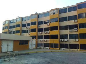 Apartamento En Alquileren Parroquia Caraballeda, La Llanada, Venezuela, VE RAH: 18-2700