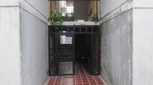 Apartamento En Ventaen Municipio Los Guayos, Buenaventura, Venezuela, VE RAH: 18-2728