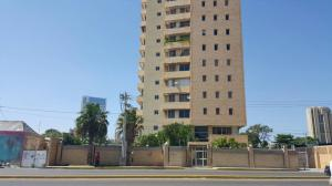 Apartamento En Alquileren Maracaibo, Avenida El Milagro, Venezuela, VE RAH: 18-2742