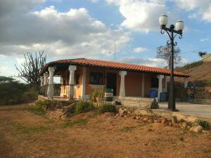 Terreno En Ventaen Barquisimeto, Parroquia Tamaca, Venezuela, VE RAH: 18-2751