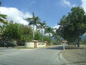 Apartamento En Ventaen Guatire, Alto Grande, Venezuela, VE RAH: 18-2814