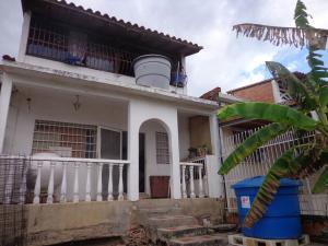 Casa En Ventaen Cagua, Prados De La Encrucijada, Venezuela, VE RAH: 18-2832