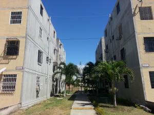 Apartamento En Ventaen Municipio Los Guayos, Buenaventura, Venezuela, VE RAH: 18-2835