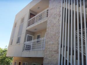 Apartamento En Ventaen Maracaibo, Santa Maria, Venezuela, VE RAH: 18-2881